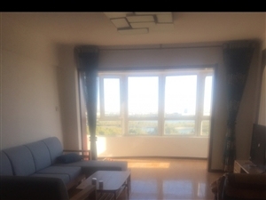 明珠花园高层12楼2室 2厅 1卫1500元/月