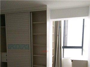精装修,美好时光3室 2厅 2卫2200元/月