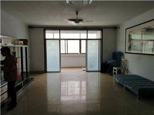 西隅家园4室 2厅 2卫1400元/月