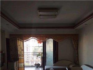 龙湖商城3室 2厅 2卫2200元/月