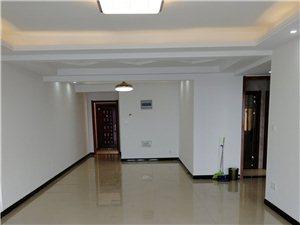 理想城电梯房3室 2厅 2卫空房出租1200元/月