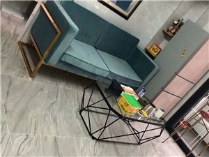 凤山学府多套2室 1厅 1卫2300元/月