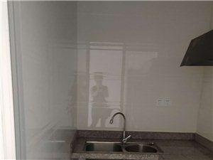 金龙现代广场 3室 1厅 1卫2200元/月