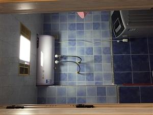 火车站公寓车站超级漂亮3室 1厅 1卫10800元/月
