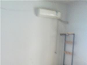 凤凰城西门二室1厅一厨一卫