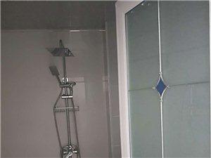 龙湖华庭3室 1厅 1卫1600元/月
