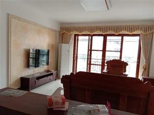 家和小区4室 2厅 2卫2200元/月