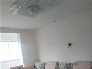 急租。王婆大虾附近,精装修的,3室 2厅 1卫1000元/月