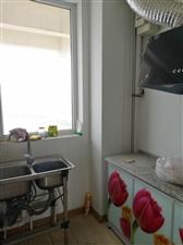 万荣3居室。厨卫齐全,空房年租1万