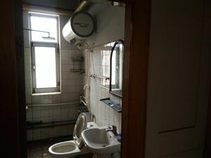芳苑西区4楼三室家具空调热水器年租一万