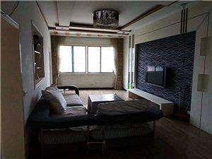 城北路3室 2厅 1卫1.3万元