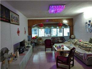 金龙路学府商街3室 2厅 2卫1300元/月