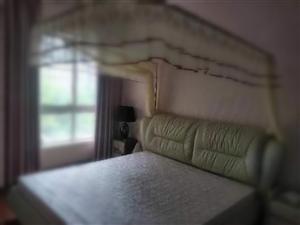 融亿小区3室 2厅 2卫3000元/月