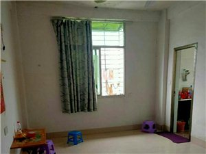 河滨南路3室 2厅 2卫65万元