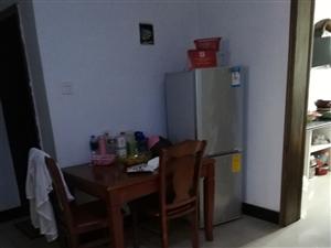 百盛附近香怡小区3室 2厅 2卫1200元/月
