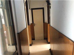 丹顶鹤小区2室 1厅 1卫750元/月