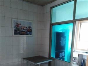新世界3室 1厅 1卫1000元/月