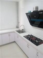 新东城2居室,拎包入住年租1万