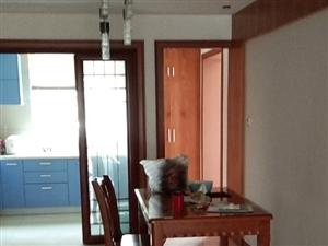 东大公寓4室 2厅 2卫2900元/月