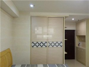 宝龙城市广场1室 1厅 1卫1500元/月