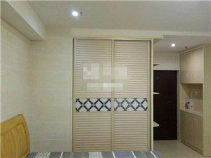 宝龙公寓1室 1厅 1卫1500元/月