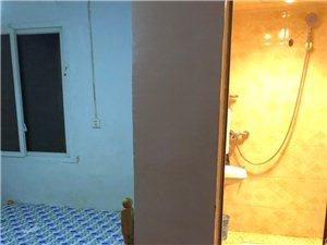 小转盘1室 1厅 1卫500元/月