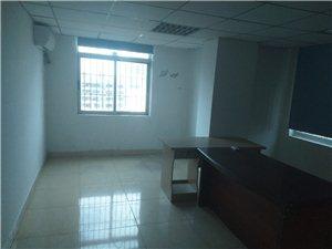 建材大厦3室 2厅 1卫4600元/月