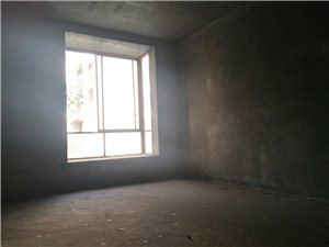 银杏水晶城3室 2厅 2卫72万元