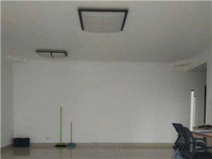 财富广场4室 2厅 2卫6000元/月