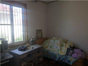 光明小区4室 3厅 2卫140万元