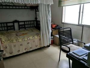 仁和街3室 2厅 1卫52万元