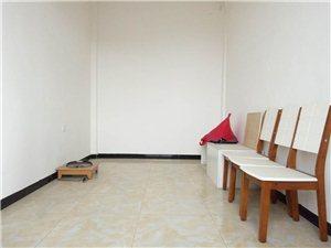 盛世广场附近精装修2室 1厅 1卫800元/月