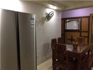 新安路3室 2厅 2卫2000元/月