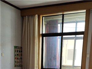 县府3室 1厅 1卫1000元/月有储藏室