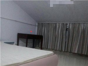 风和日丽3室 2厅 2卫833元/月