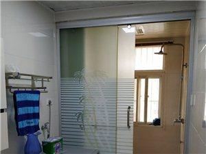 阳光水岸4室 2厅 2卫65万元