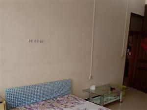 標準單間有空調熱水器床