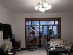 三小家属房4室 2厅 2卫56万元