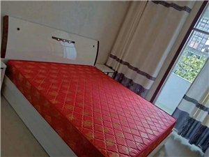 学府苑3室 2厅 2卫75.8万元