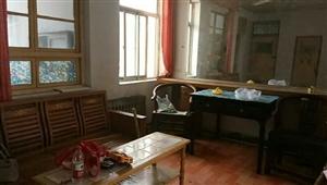 六中附近,2楼两室两厅,简单家具拎包入,1000元