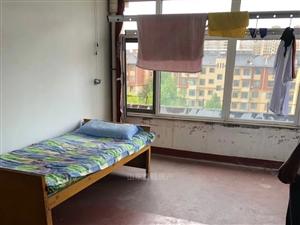 怡和名士豪庭3室 1厅 1卫416元/月