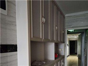 合江阳光·凯悦帝景3室 2厅 2卫2500元/月