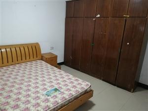 合江新公路中国银行附近3楼2室 1厅 1卫700元/月