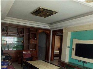 新加坡花园4室 2厅 2卫1800元/月