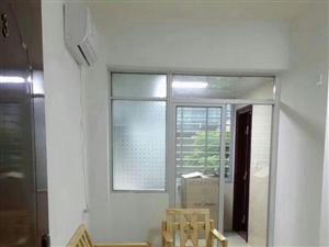 永隆三期 精装 家具齐全2室 1厅 1800元/月