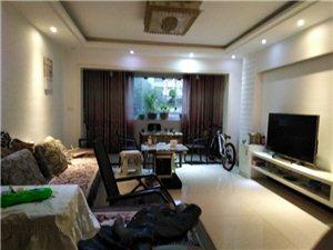 时代广场装修带家具5900一平采光采样好!
