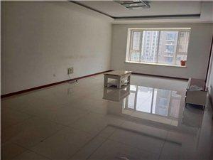 博奥华城3室 2厅 2卫172万元