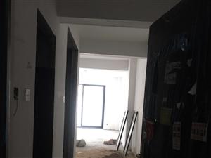 凤山学府3室 2厅 2卫加车库215万元