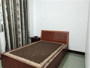 蜀南商场3空2厅1卫停车方便800元月