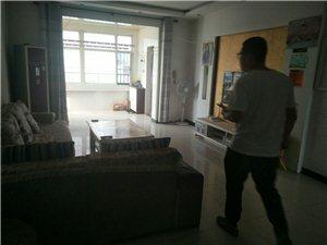 水墨庭院3室 2�d 2�l14000元/月
